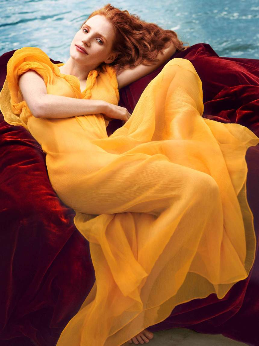 00_Jessica-Chastain-by-Annie-Leibovitz-for-Vogue-US-December-2013-Work-of-Art-cover-without-texts