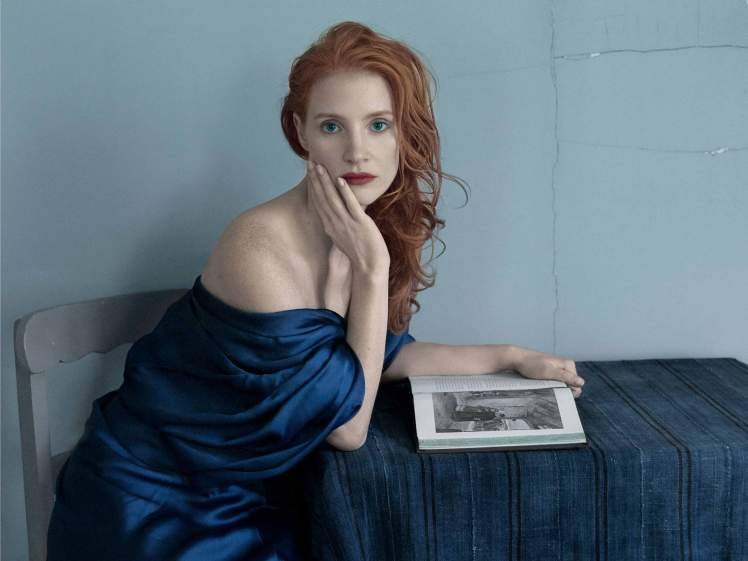 01_Jessica-Chastain-by-Annie-Leibovitz-for-Vogue-US-December-2013-Work-of-Art