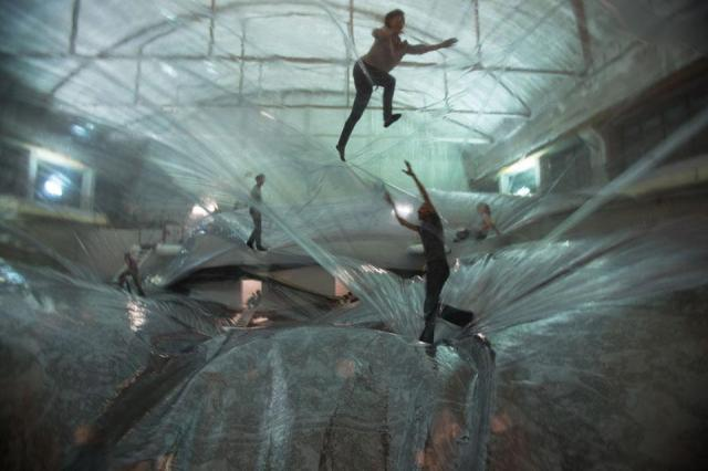 Tomas Saraceno - One space time foam